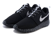 Nike Roshe Run бело-черные (36-45)