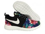 Nike RosheRun Flowers черный, синий (Euro 36-40)